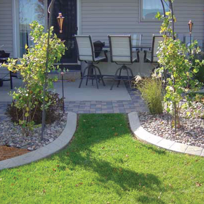 5 Ways To Add Landscape Lighting To Concrete Hardscaping: Decorative, Elegant Concrete Curbing And Edging